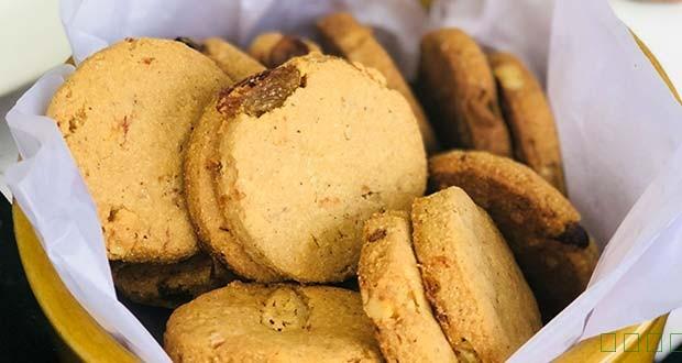 如何制作苋菜粉,胡萝卜和葡萄干饼干(苋菜粉,胡萝卜和葡萄干曲奇食谱)